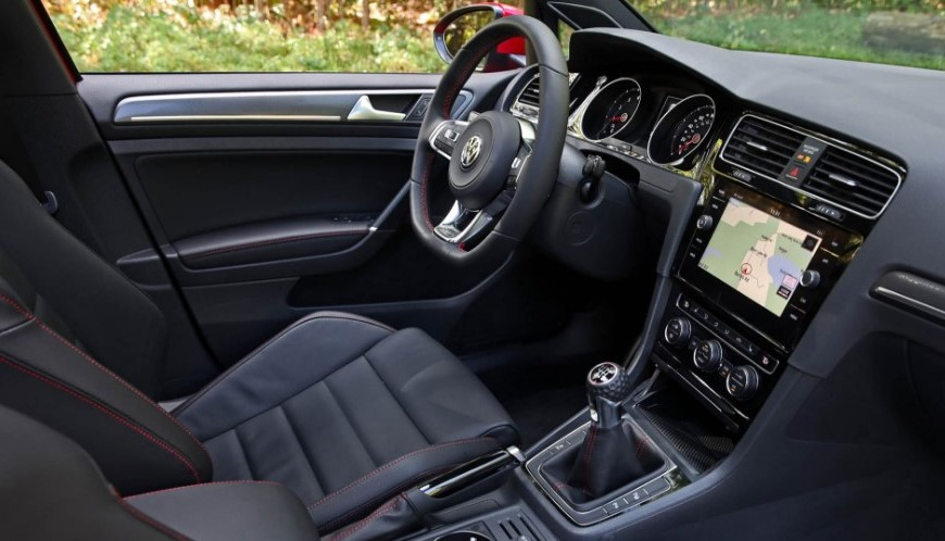 2021 Volkswagen Golf Interior
