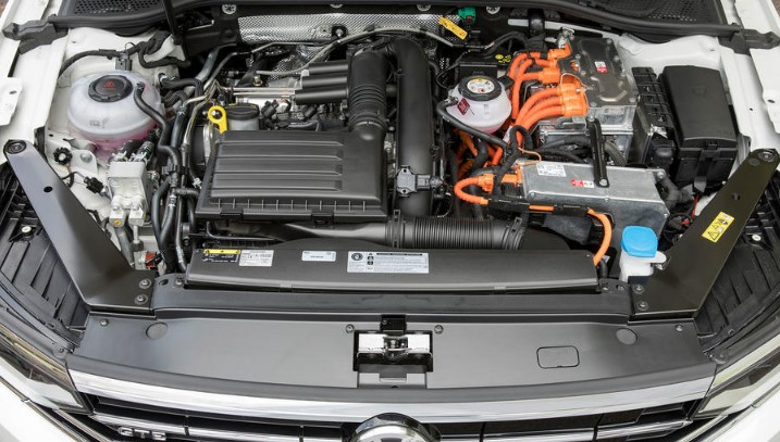 2021 VW Passat Engine